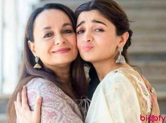 Alia Bhatt Mother Pictures