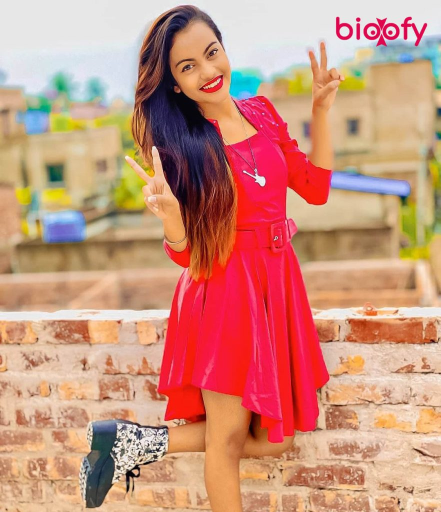 Beauty Khan hot
