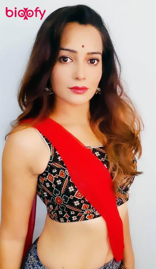 Samiksha Bhatnagar Pic