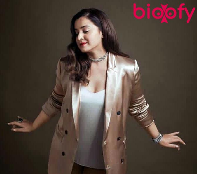 Simone Singh Hot