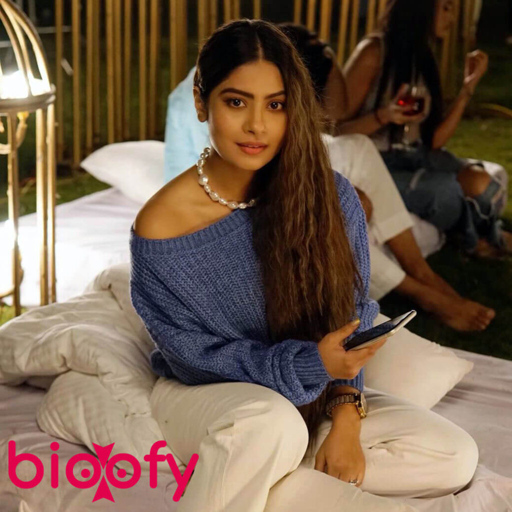 Trishna Mukherjee Sexy 1024x1024