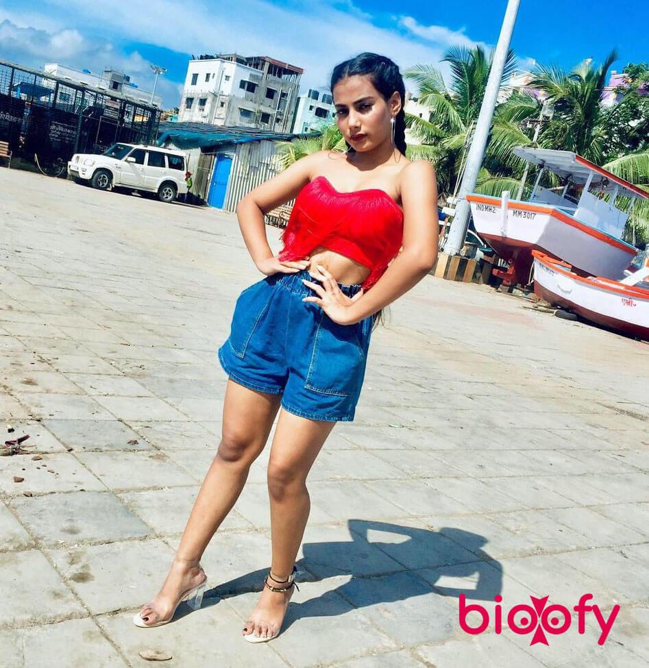 Divya Singh Pic 2020