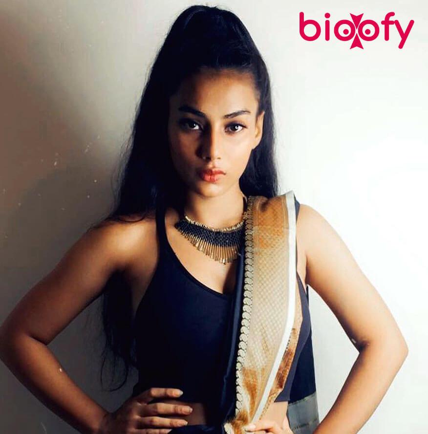 Divya Singh Pic