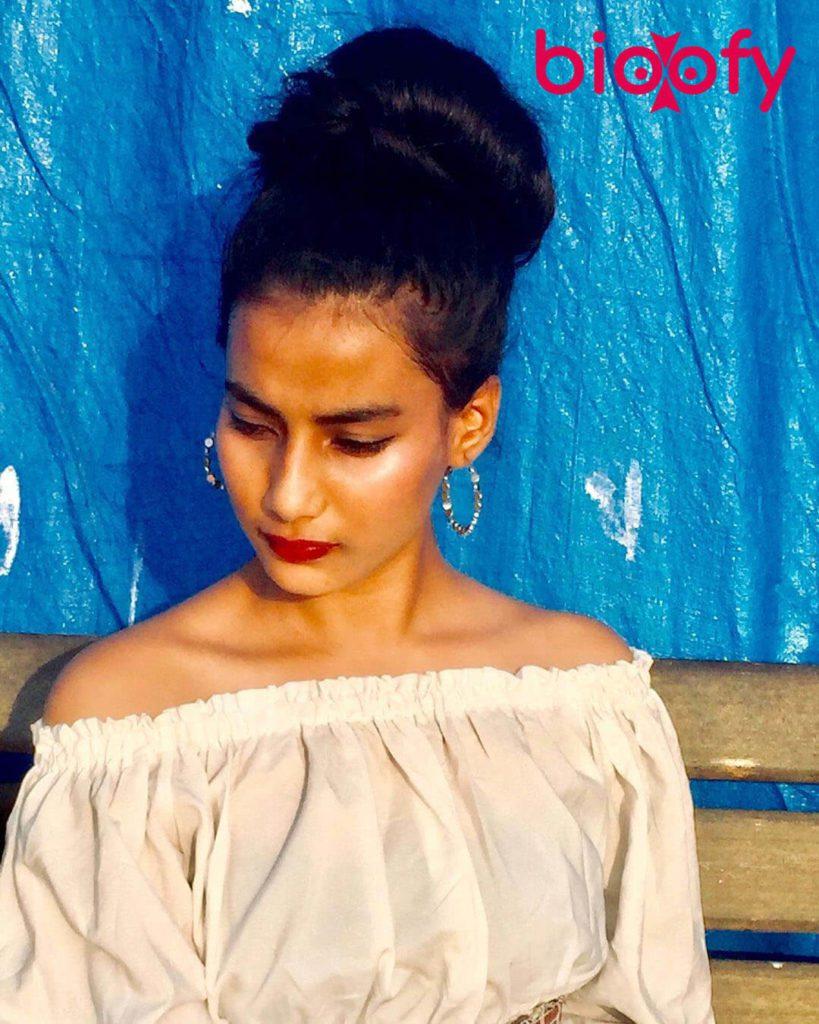 Divya Singh Picture 819x1024
