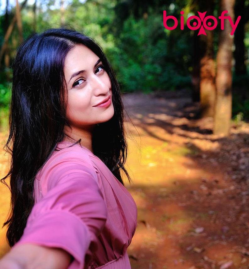 Divyanka Tripathi Dahiya Bio 2020