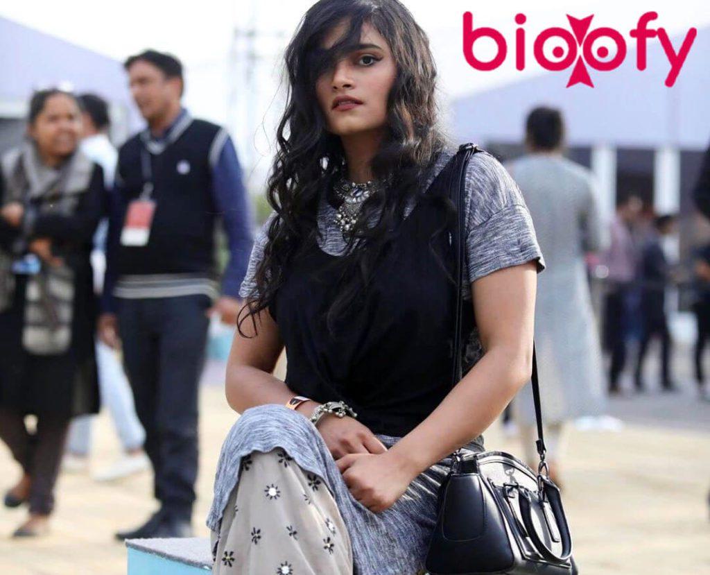 , Jeysha Tripathi Biography, Age, Latest Images, Figure, Boyfriends