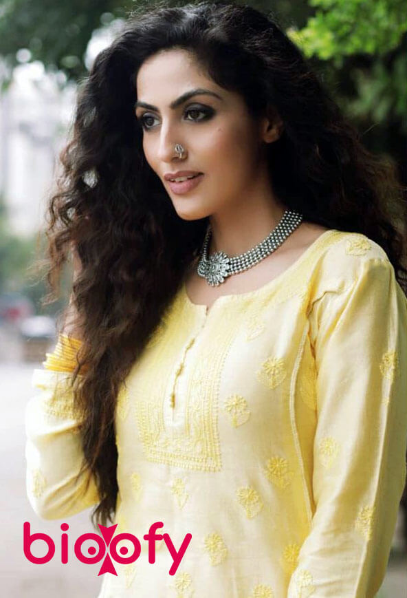 Monica Khanna Bio