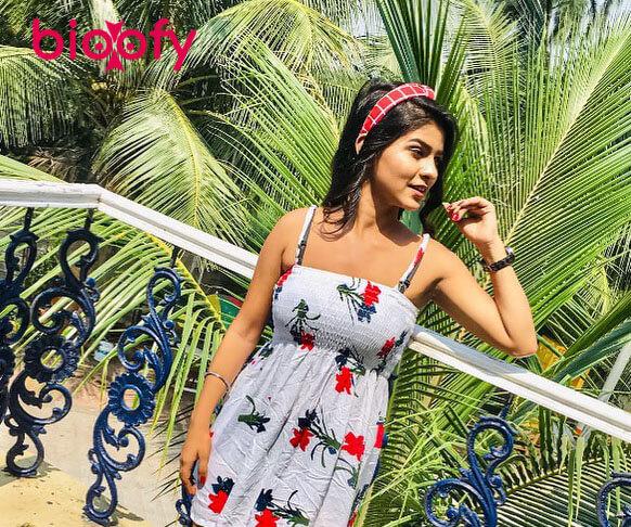 Pooja Kashyap Hot