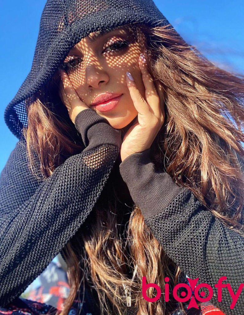 Sonya Hussyn Hot 2021 794x1024