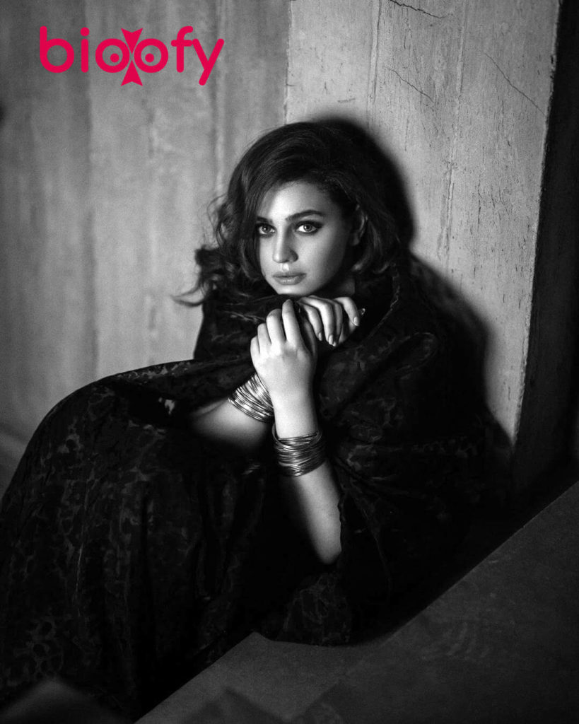 Zara Noor Abbas 819x1024