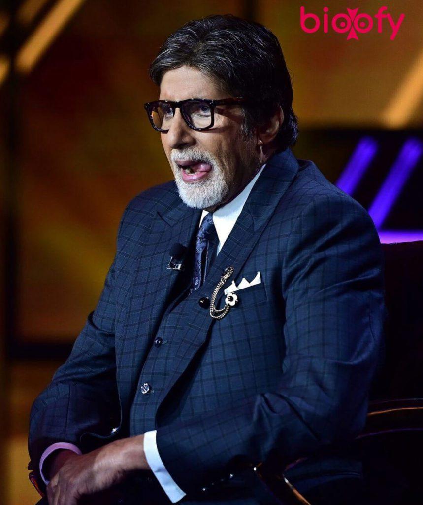 Amitabh Bachchan Biograhy 859x1024
