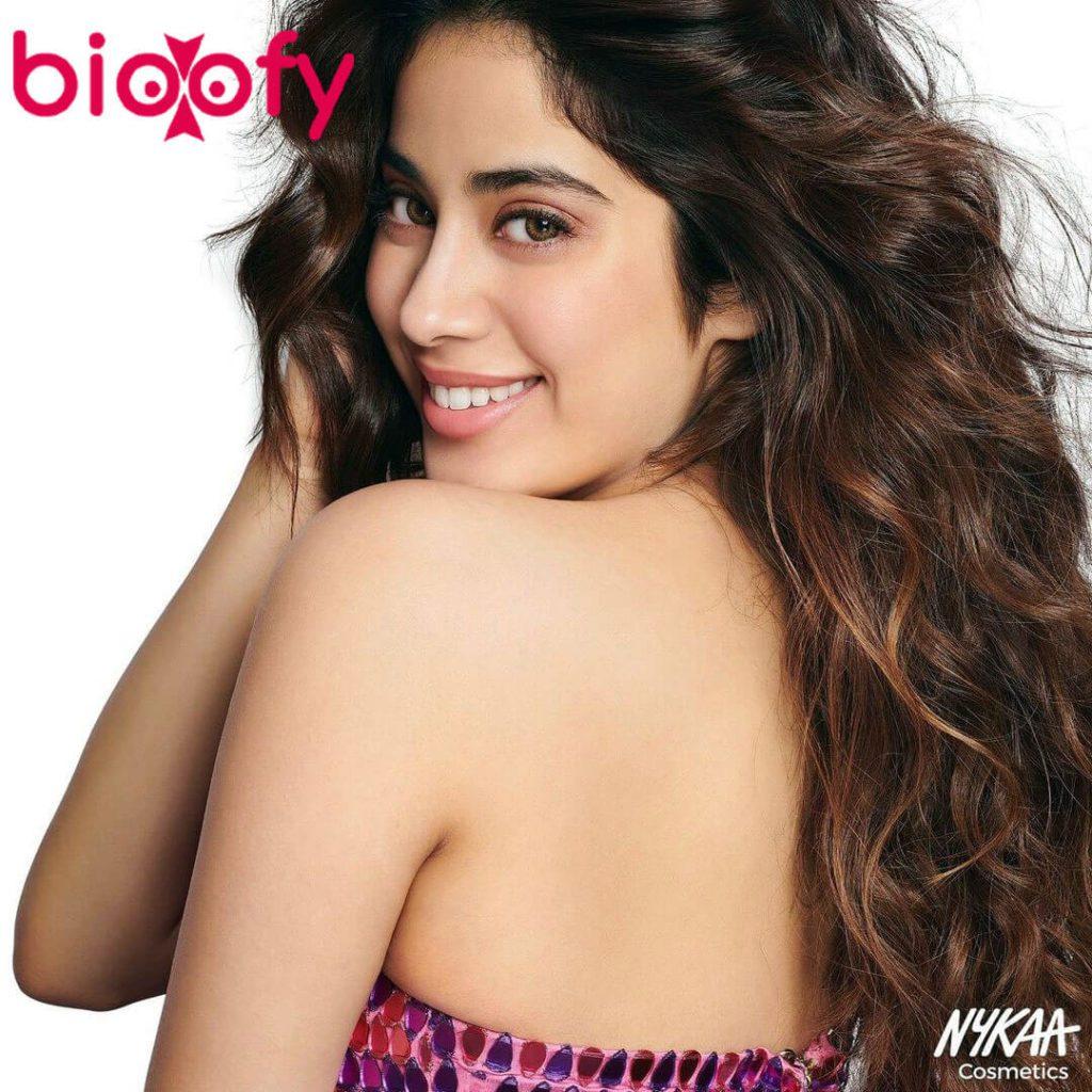 Janhvi Kapoor Hot Pic 1024x1024