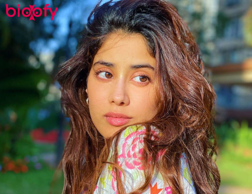Janhvi Kapoor Photos 1024x790