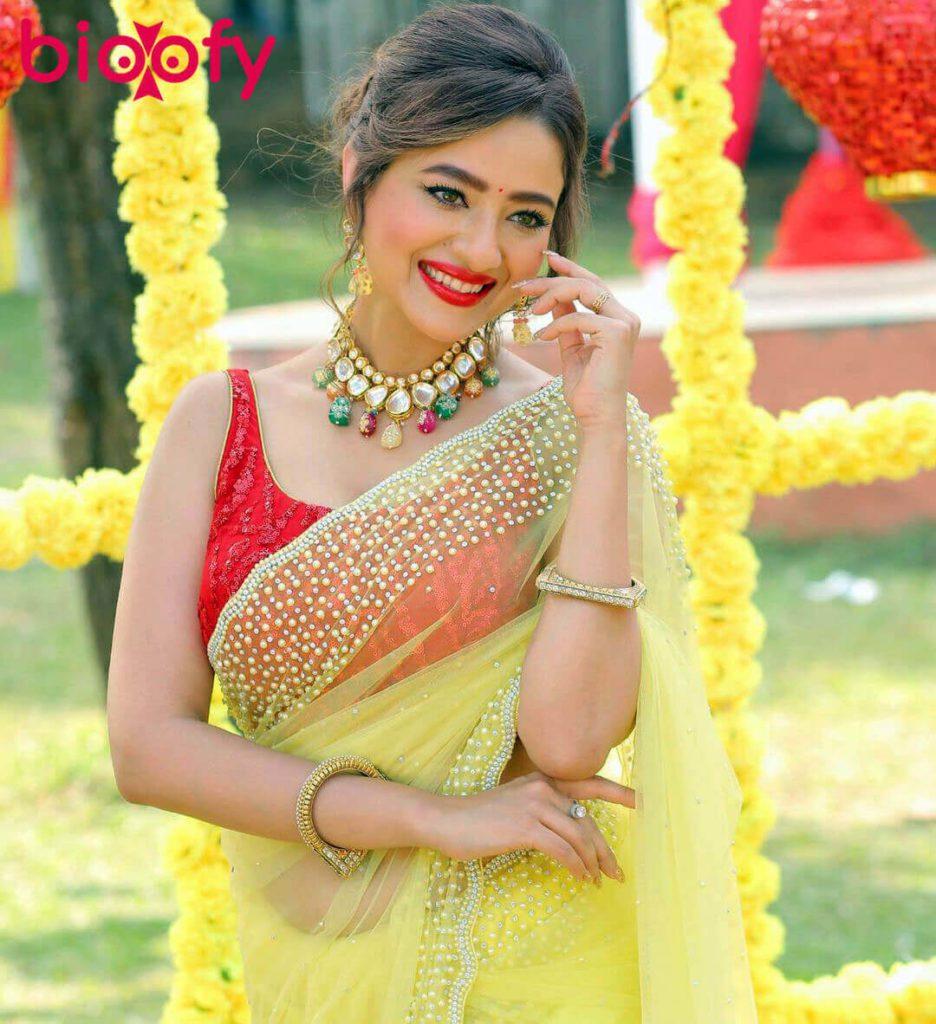 Madalsa Sharma Bio 936x1024
