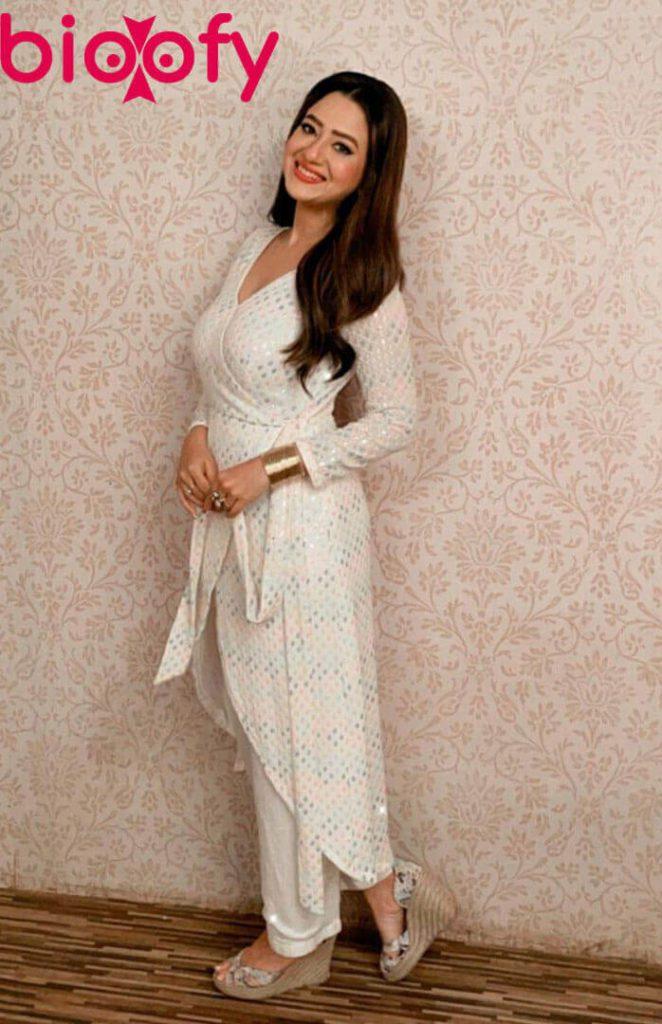 Madalsa Sharma Hot 662x1024