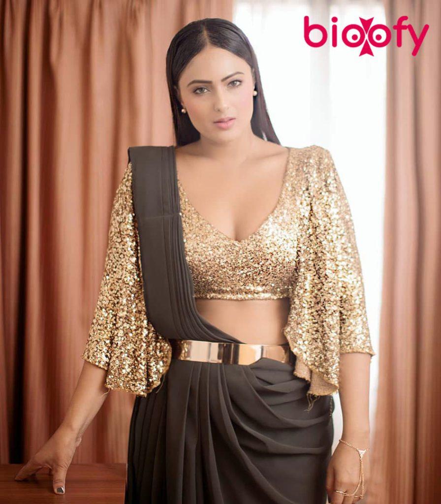 Nikesha Patel 896x1024