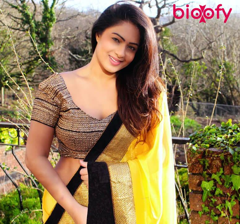 Nikesha Patel Pic