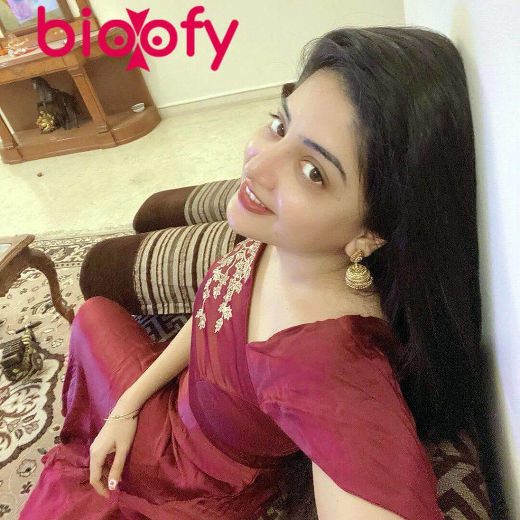 Poonam Kaur Bio 1024x1024