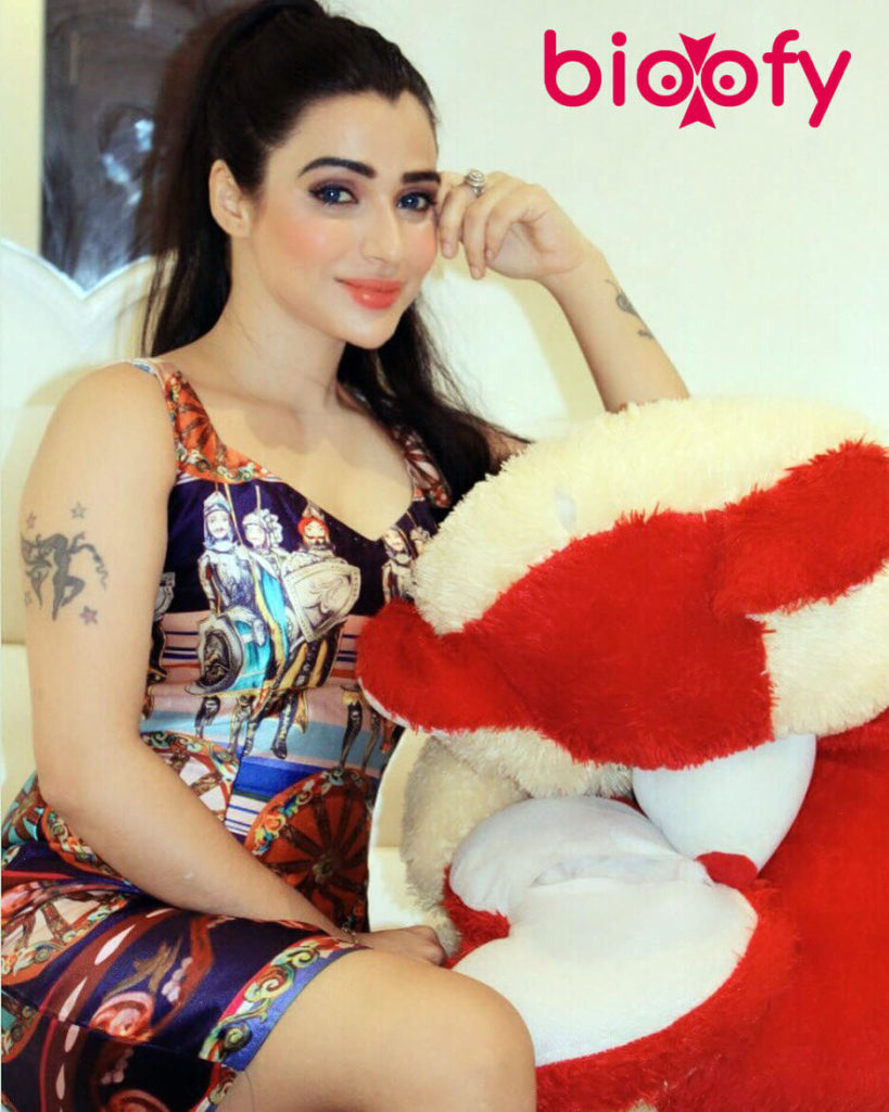Shyn Khurana Hot 819x1024