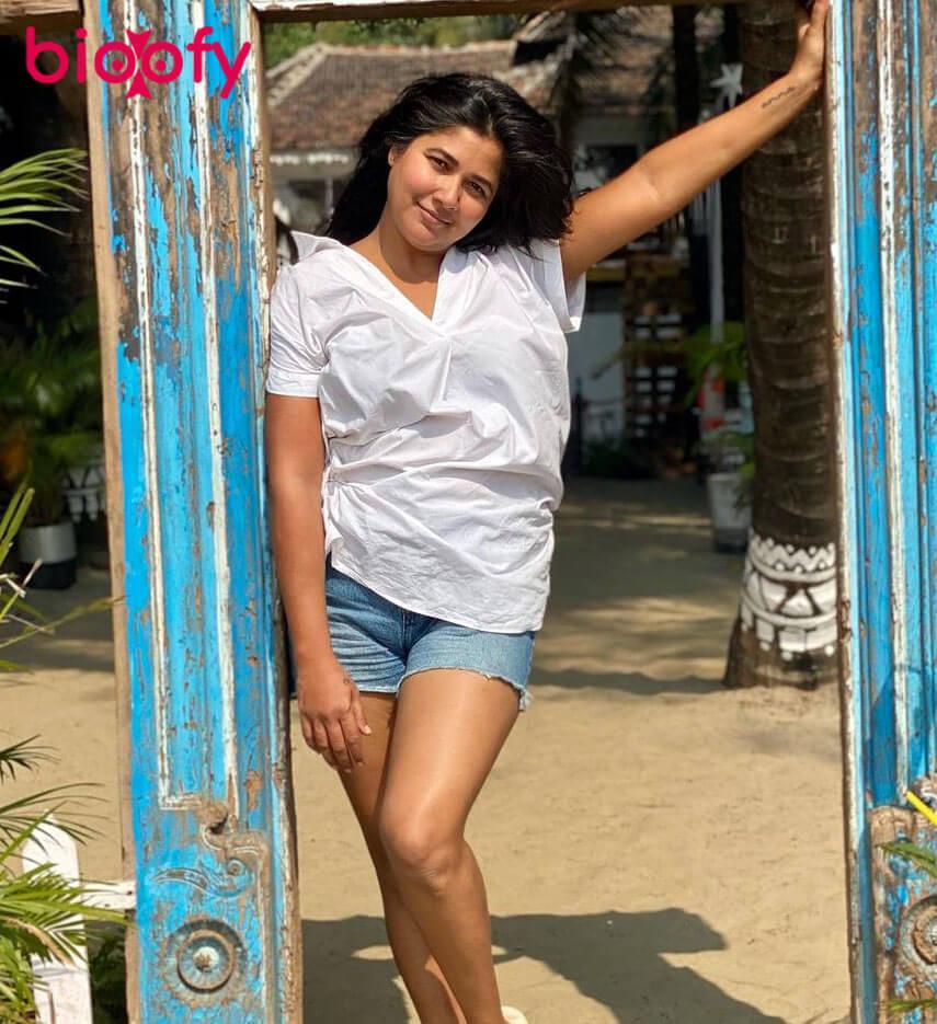 Narayani Shastri BIOOFY