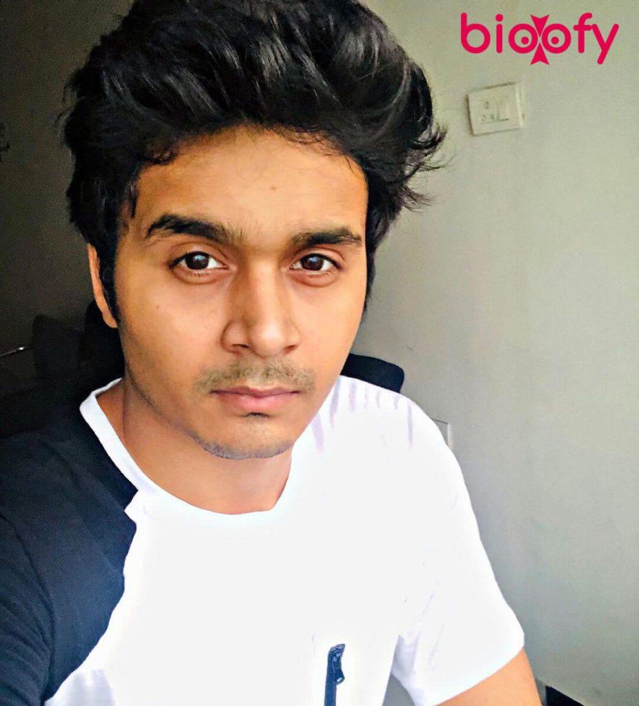 Priyanshu Singh Pic 926x1024