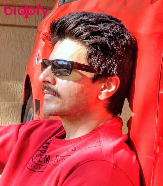 Rahil Azam Hot Image