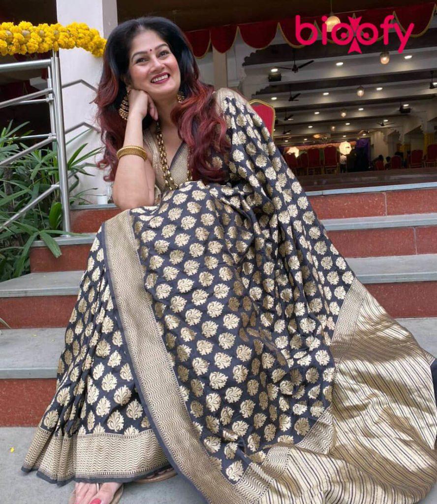 Resham Tipnis 888x1024