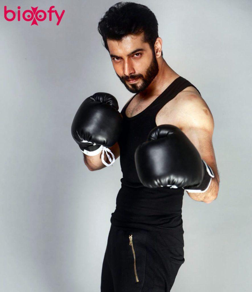 Sharad Malhotra Hot 885x1024