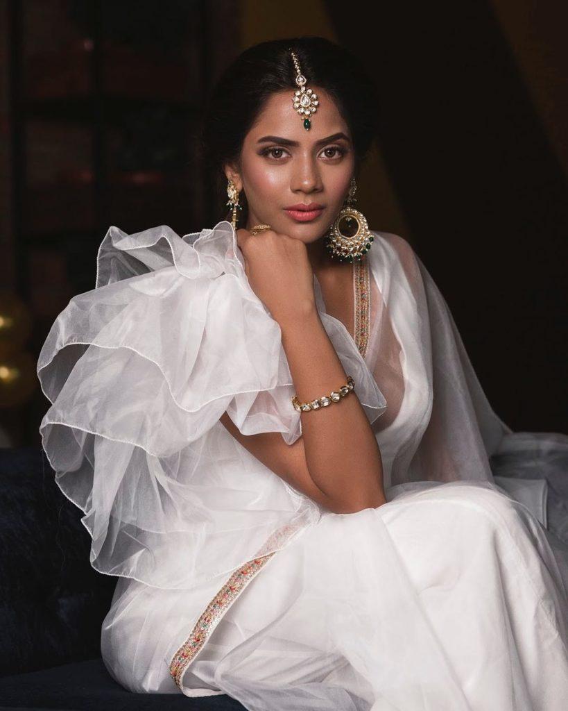, Aishwarya Dutta Biography, Age, Images, Height, Figure, Net Worth