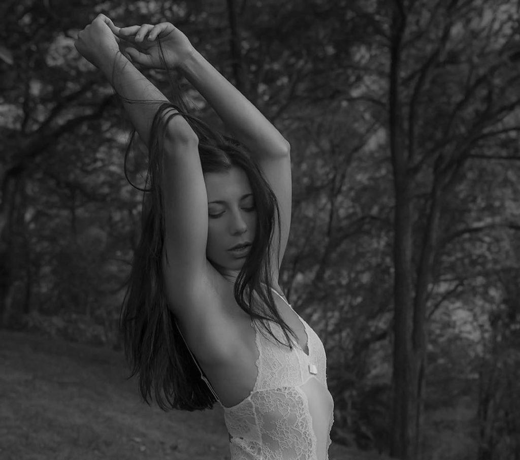 , Alisha Emanuela Biography, Age, Latest Images, Photoshoot, Figure, Net Worth