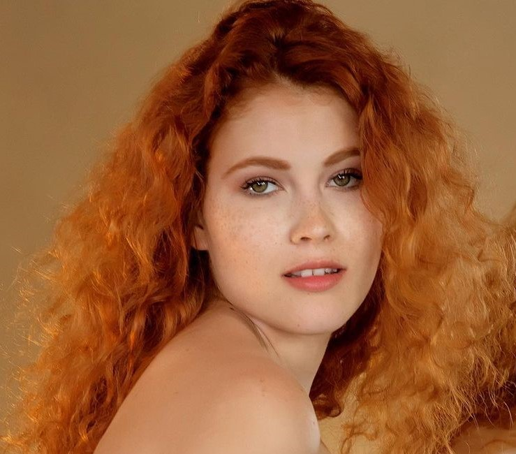 , Heidi Romanova Biography, Age, Images, Height, Figure, Net Worth