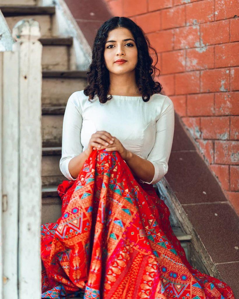 , Kokila Mohini Beri Biography, Age, Images, Height, Figure, Net Worth