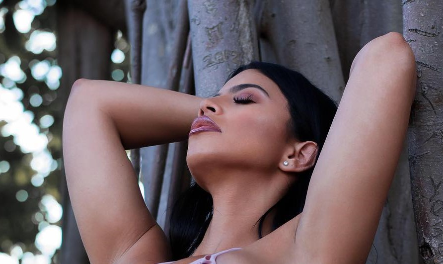 , Litza Yanez Biography, Age, Images, Photoshoot, Net Worth