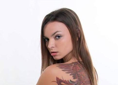 , Nicole Hardcastle (Model) Biography, Age, Images, Height, Figure, Net Worth