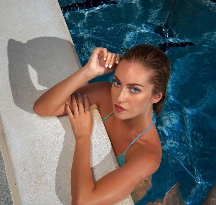 , Sacha Bennett (Model) Biography, Age, Images, Height, Figure, Net Worth