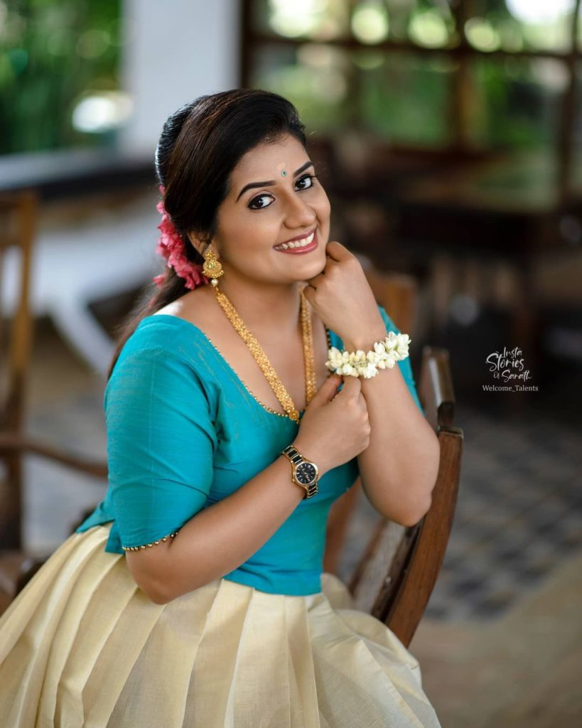 , Sarayu  Biography, Age, Images, Height, Figure, Net Worth