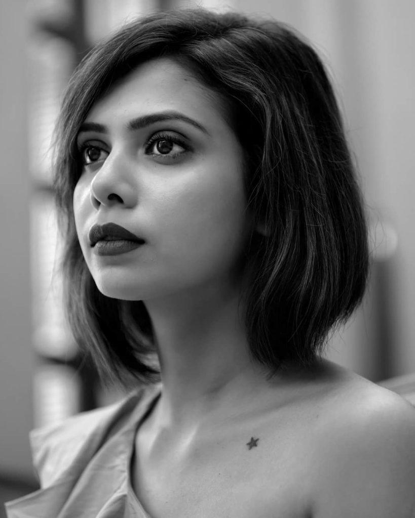 , Shreya Gupto Biography, Age, Images, Height, Figure, Net Worth
