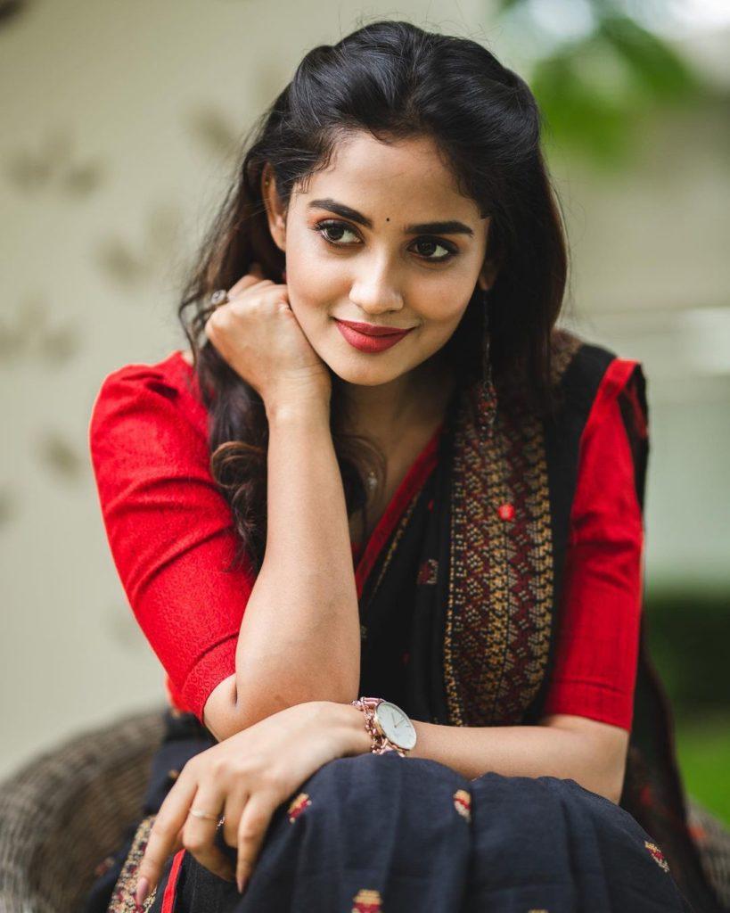 , Teju Ashwini Biography, Age, Images, Height, Figure, Net Worth
