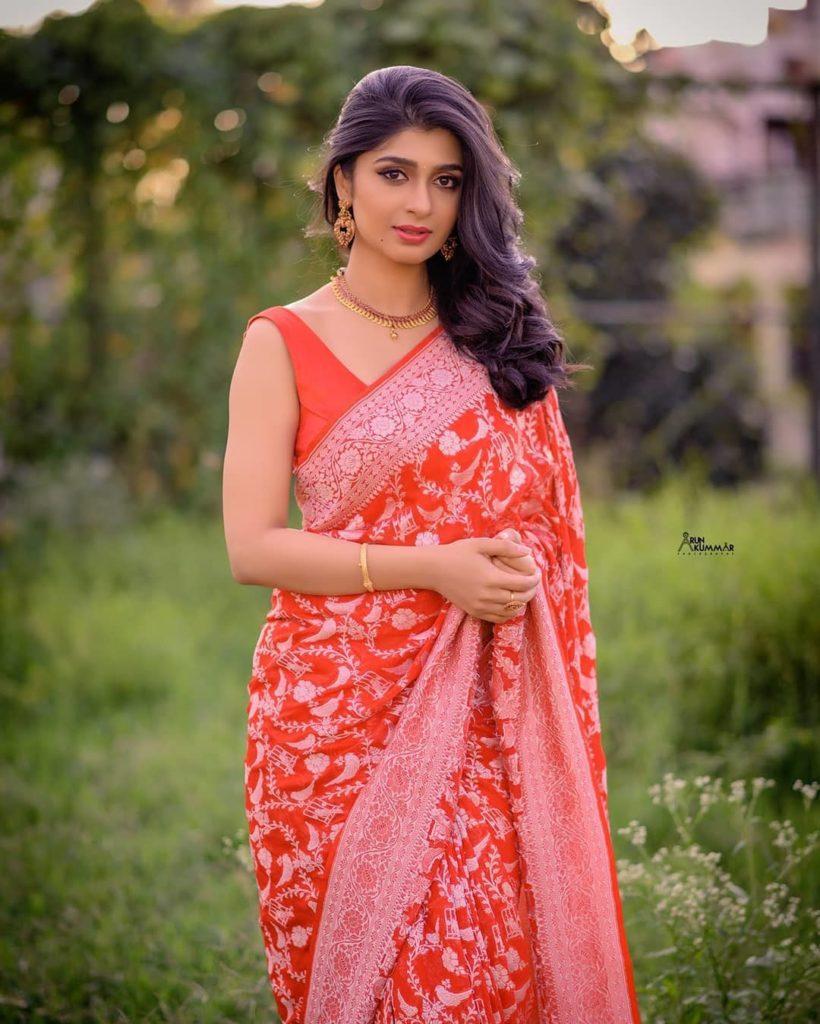, Aditi Prabhudeva Biography, Age, Images, Height, Figure, Net Worth