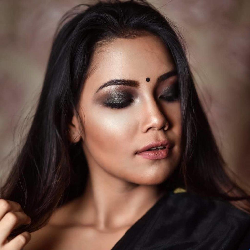 , Aishwarya Roy Biography, Age, Images, Height, Figure, Net Worth