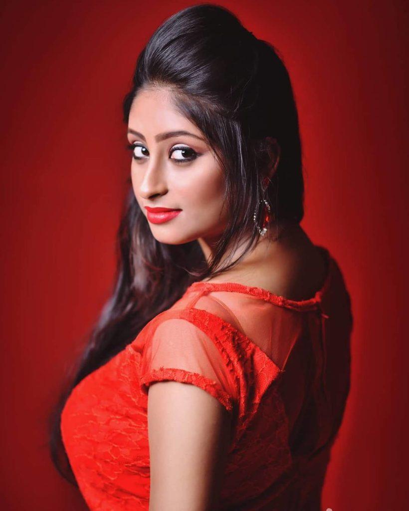 , Aishwarya Biography, Age, Images, Height, Figure, Net Worth