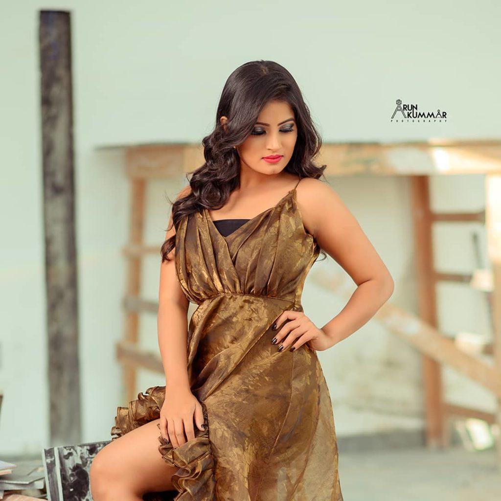 , Anusha Rai Biography, Age, Images, Height, Figure, Net Worth