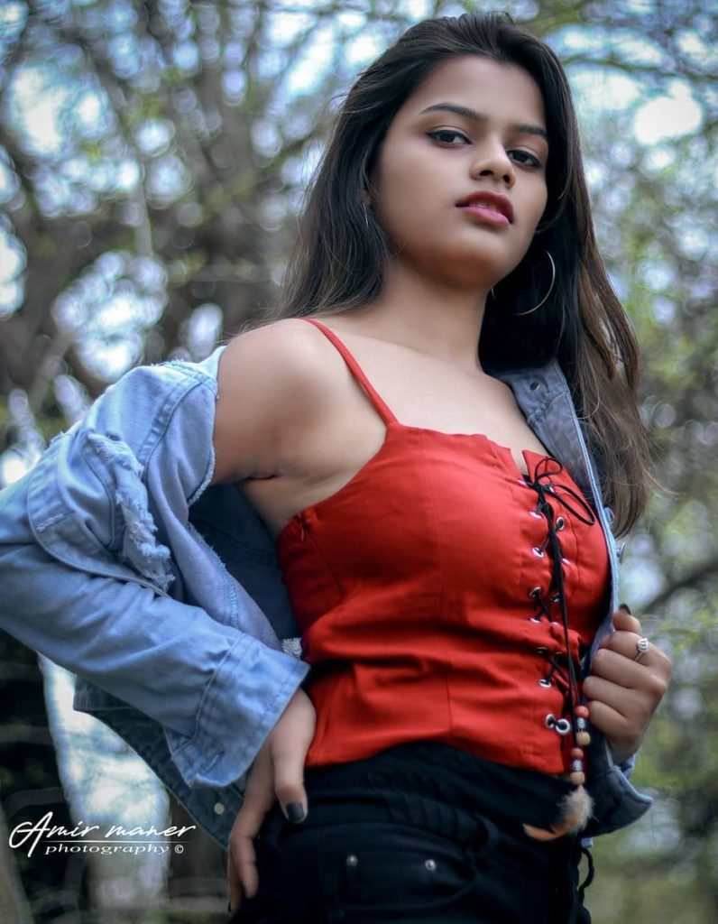 , Mrunali More Biography, Age, Images, Height, Figure, Net Worth