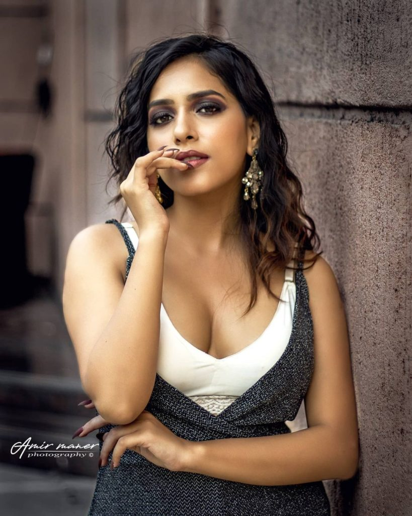 , Neha Ila Joshi Biography, Age, Images, Height, Figure, Net Worth