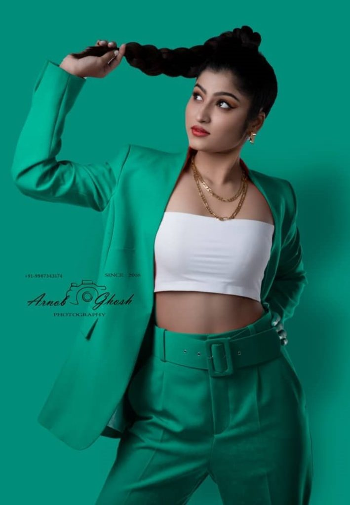 , Riya Mehendiratta Biography, Age, Images, Height, Figure, Net Worth