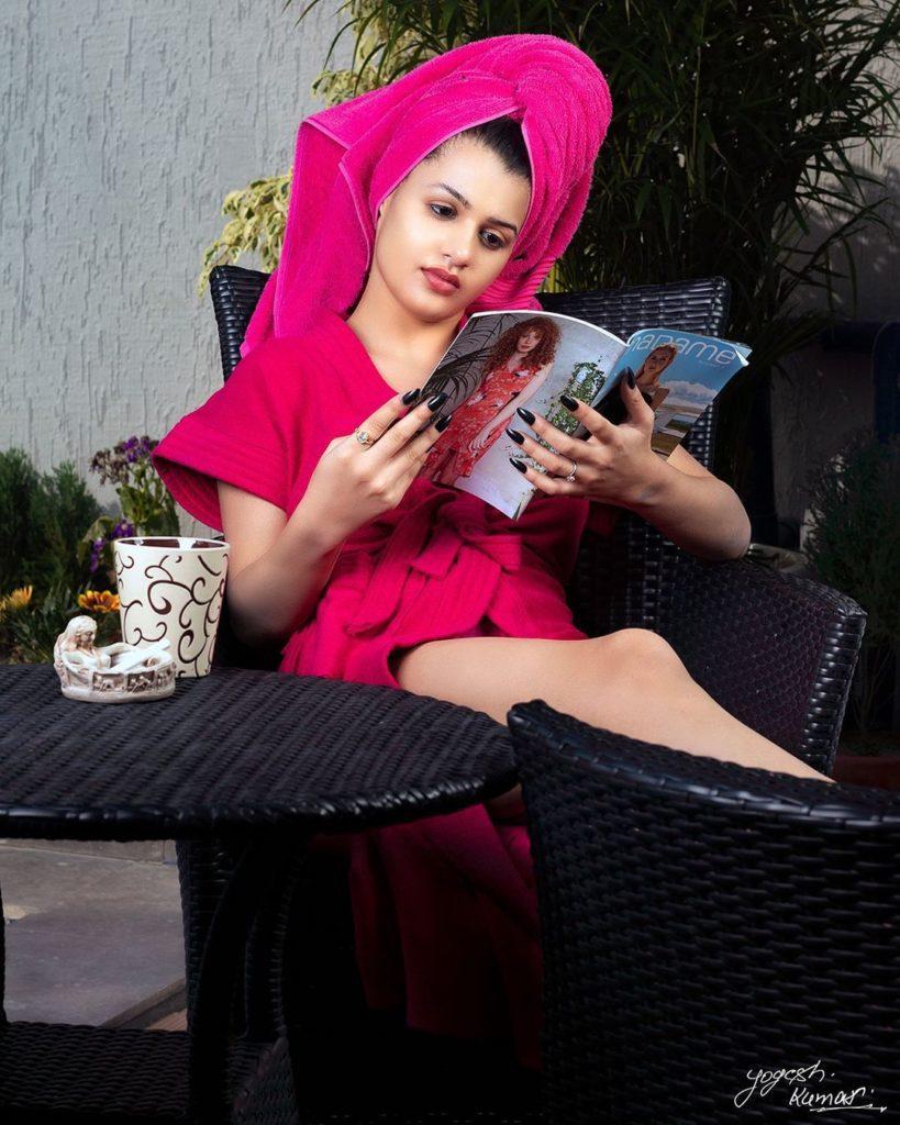 , Riya Munjal Biography, Age, Images, Height, Figure, Net Worth