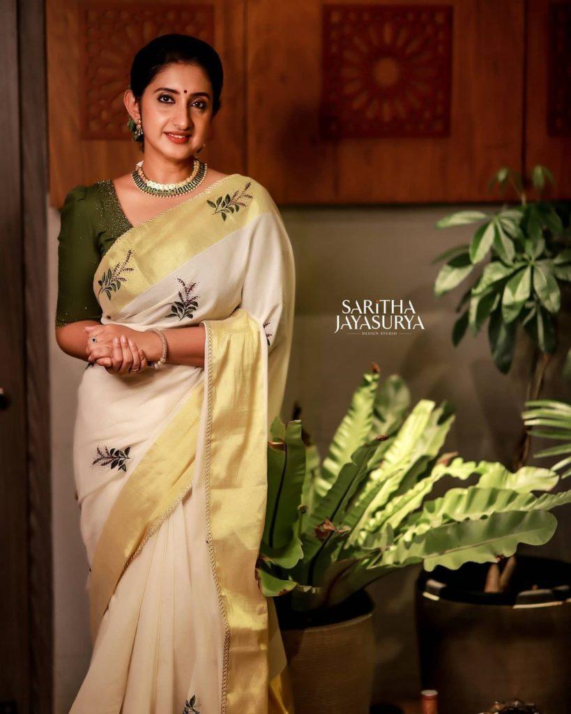 , Saritha Jayasurya Biography, Age, Images, Height, Figure, Net Worth